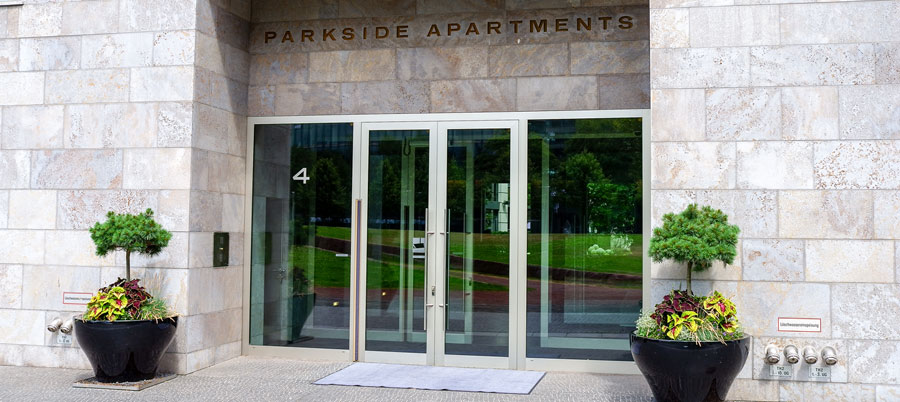Parkside Apartments Eingang