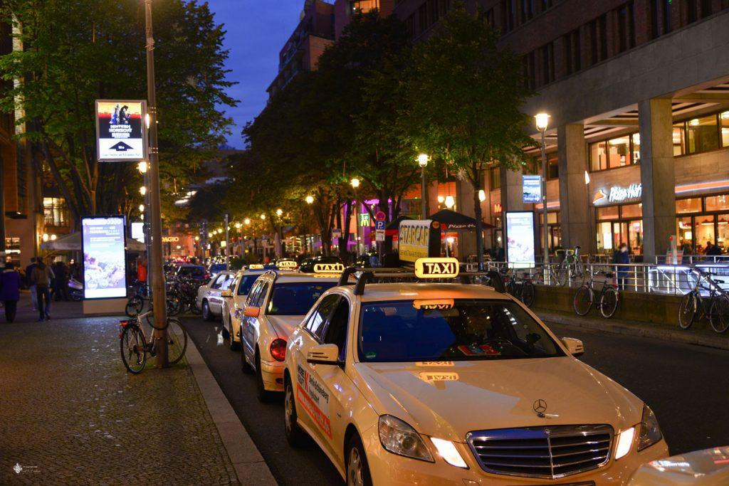 Taxi am Taxistand Potsdamer Platz