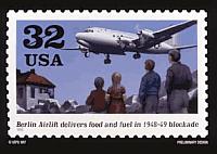 Briefmarke des Rosinenbombers